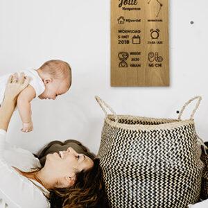 Geboortebord op hout met sterrenbeeld